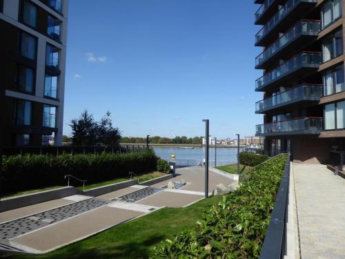 Royal Arsenal Riverside: interesting river approach